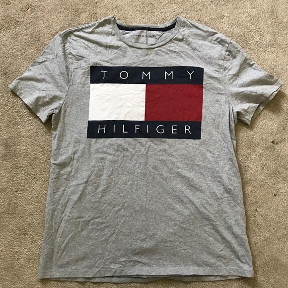 8d2c7a72b98594 Tommy Hilfiger T-Shirt Size Large Gray Big Logo